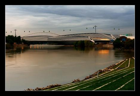 Pabelln_puente_by_zaragozano